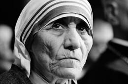 Madre Teresa tinha amor pela pobreza, não pelos pobres, afirma Hitchens.