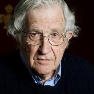 Chomsky fala sobre o desencanto com as democracias dominadas pelas elites